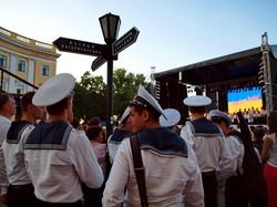 """На концерте в день флота одесситов развлекали Алена Винницкая, """"От Винта"""" и двойник Путина"""