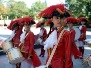 Искусство выходит на улицы: в Одессе бьют в барабаны и танцуют брейк-данс