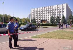 """Около Одесской обладминистрации """"заминировали"""" автомобиль (ОБНОВЛЕНО)"""
