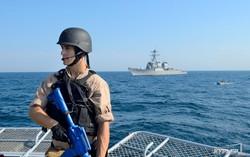 """На второй день """"Си Бриза"""" корабли международной эскадры перехватили """"пиратский"""" корабль (ФОТО)"""