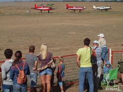 Вальс на самолетах: под Одессой начался чемпионат по воздушному фристайлу (ФОТОРЕПОРТАЖ)
