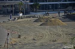 На Ланжероне вместо зеленой зоны строят обещанную мэром парковку (ФОТО)