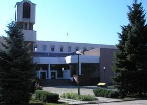 Суворовский район: замена главы избиркома и спортсмены у здания, где находится ОИК