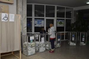 Первые экзит-полы: в 133-м округе побеждает Дмитрий Спивак