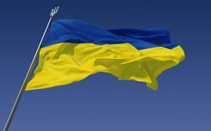 Уроженец Одессы пробежал марафон в США с украинским флагом (ВИДЕО)