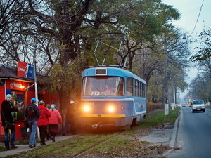 Жители Люстдорфа и Бурлачьей Балки протестуют против возможного закрытия 27-го трамвая (ФОТО)
