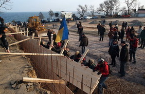 Одесситы остановили работы на строящейся парковке у Ланжерона (Онлайн-трансляция завершена)