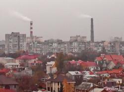 Одесский Большой Фонтан в необычном ракурсе: крыши, осенние краски, туман и высотки (ФОТО)