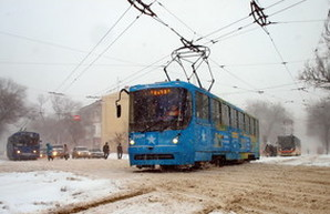 В Одессе наступает снежный коллапс (ФОТОРЕПОРТАЖ)