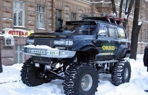 Одесские джиперы начали начали помогать застрявшим в снегу (обновляется)