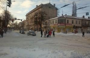 Транспортное движение на улицах Одессы возобновляется(ОБНОВЛЯЕТСЯ)