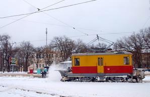 Общественный транспорт Одессы понемногу начинает работу (ФОТО)