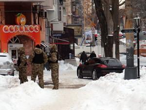 В Одессе охраняют мосты и волонтерские пункты