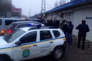 В Одессе задержали троих мужчин с оружием, ехавших на внедорожнике с молдавскими номерами