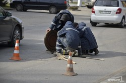 В Одессе на Генуэзской прокладывают новые кабельные сети (ФОТО)