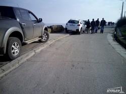 Одесский пляж для инвалидов превратился в парковку (ФОТО)