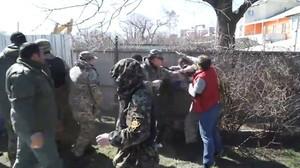 Разгром незаконной стройки в Одессе: массовая драка и выстрелы (ВИДЕО)