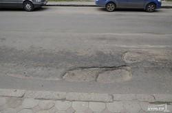 В центре Одессы рекордные пробки из-за ремонта дорог и светофоров (ФОТО)