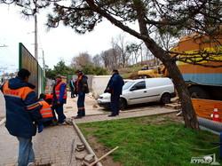 В Одессе на Генуэзской раскопали склон: строят трамвай (ФОТОРЕПОРТАЖ)
