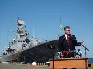 Президент назвал Одессу морской столицей Украины и пообещал развивать военный флот