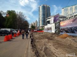На трамвайной стройке около Аркадии уже возводят подпорную стену (ФОТО)
