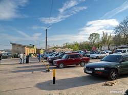 Одесский Ланжерон: пляж окончательно превратился в парковку (ФОТО)