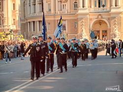 День Победы в Одессе в фотографиях: 148 имен героев у Оперного театра