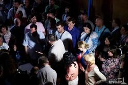 Общественные слушания по застройке высотками одесского Большого Фонтана: поскандалили и разошлись (ФОТО)