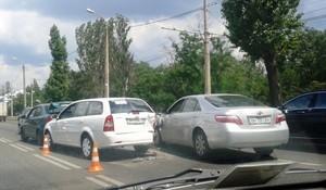 В Одессе на Николаевской дороге столкнулись четыре машины (ФОТО)