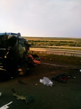 На трассе Одесса - Киев авария: в перевернувшейся машине погибла женщина (ФОТО, обновлено)