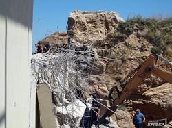 Забор у пляжа бывшего нардепа Хмельницкого снесли по распоряжению Саакашвили (ФОТО, ВИДЕО)