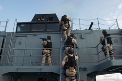 """Учения """"Си-Бриз"""" начались с антипиратской операции (ФОТО)"""
