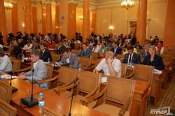 Фотоподробности скандальной сессии одесского горсовета: драки, скандалы, митинги и депутаты