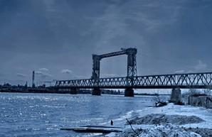 """Участники """"Си-Бриза"""" заблокировали движение на стратегически важном мосту"""