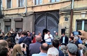 Саакашвили агитирует за кандидата в мэры Одессы Боровика (ФОТО)
