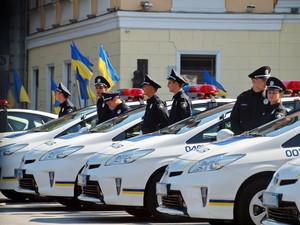 В Украине начинает работать дорожная полиция - с трассы Одесса - Киев
