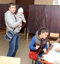 На выборы в Одессе пока что пришли не более 15% избирателей - это наихудший показатель в Украине (ФОТО)