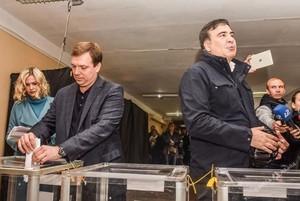 Как голосовали VIP-персоны одесской политики (ФОТО)