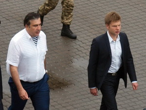 """Итоги выборов в Одессе: Саакашвили и Гончаренко обменялись """"любезностями"""" в адрес друг друга"""
