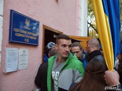 Несмотря на митинг поддержки, суд отказал Боровику в требовании не давать Труханову удостоверение мэра Одессы (ФОТО)
