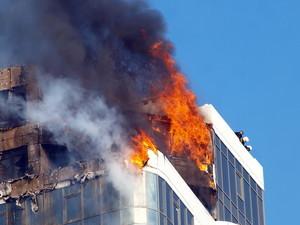 Пострадавшая от пожара высотка в одесской Аркадии, загорелась еще раз