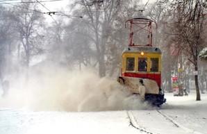 Одесса борется с сильнейшим снегопадом (ФОТО)