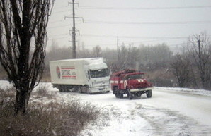 Спасатели Одесской области вытащили из снега 329 автомобилей, в которых было 552 человека