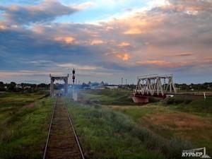 К премьеру Яценюку обратились с требованием восстановить железную дорогу на юге Одессской области
