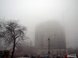 Одесса погрузилась в густой туман (ФОТО)