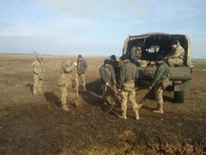 Армия убирает мусор в национальном парке на юге Одесской области (ФОТО)