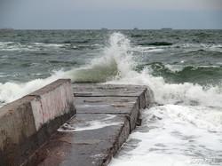 На выходных Одессу снова штормило (ФОТО)