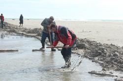 На юге Одесской области лиман соединили с морем (ФОТО)