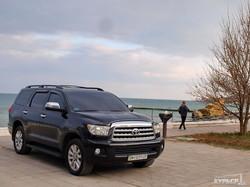 В Одессе автохамы заезжают на берег моря у Желтого Камня (ФОТО)