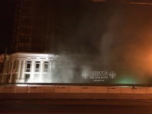 В Одессе горела высотная стройка у театра Музкомедии (ФОТО)